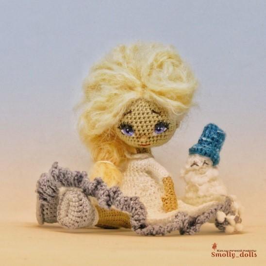 Вязаная куколка-малышка 1